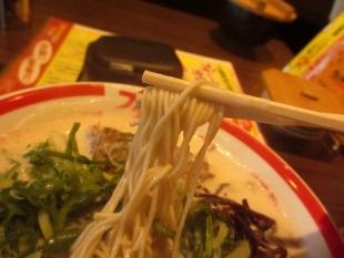 豚シャモジ 豚ソバ 麺