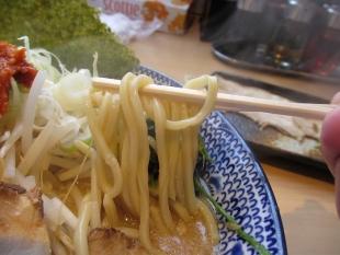 シャガララーメン肉バカ 味噌ラーメン 麺