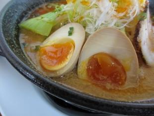 鶏処 味噌担々麺 味玉