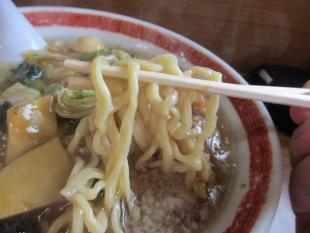 関屋福来亭 五目旨煮ラーメン 麺