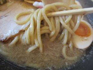 燈 濃厚中華ソバ 麺