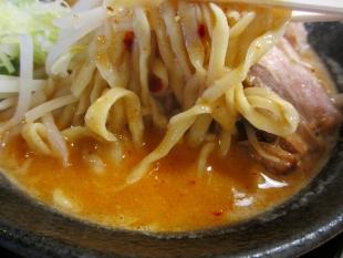 八ちゃんラーメン 濃厚辛みそ 麺スープ