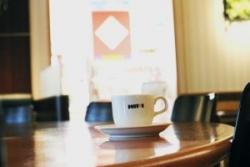 ドトール併設のブックカフェ