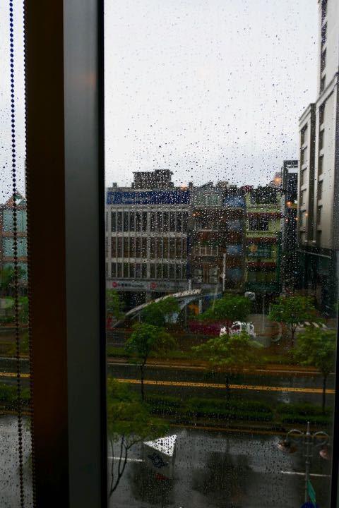 ホテルの窓 - 1