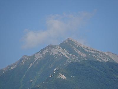 遠くに唐松岳