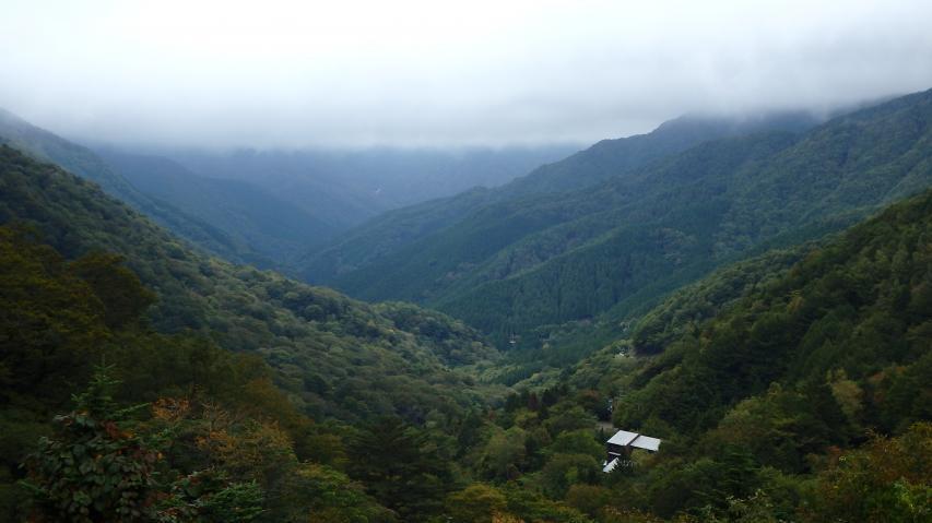旧 東祖谷山村の深い谷