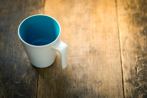 フリー画像・空のカップ