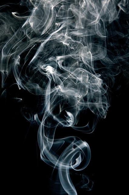 フリー画像・煙草のけむり