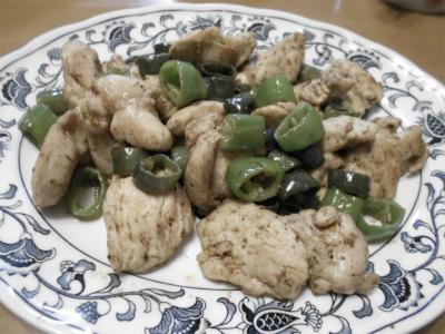 301012万願寺と紫ししとうと鶏肉の炒め物