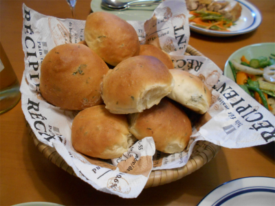 301004クルミ、チーズ入りパン