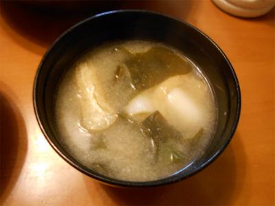 301111ネギとワカメの味噌汁
