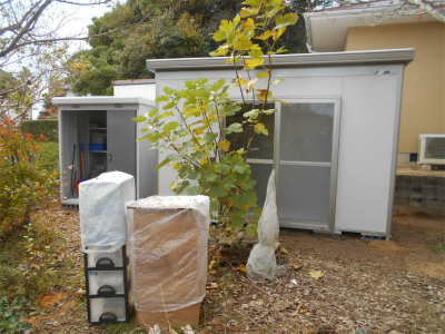 301119小屋と倉庫設置完了