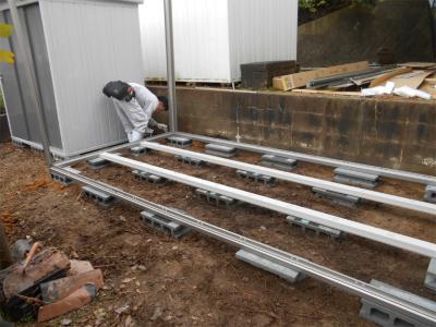301119小屋の設置工事