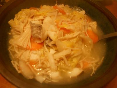 310131白菜、エノキ、たらの煮込み