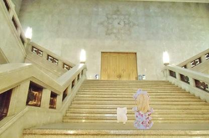 重厚な階段