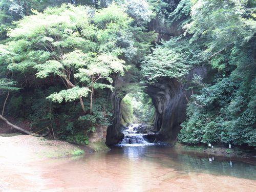 亀岩の洞窟8