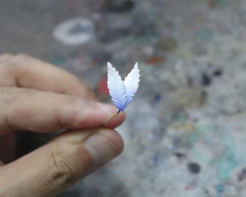 羽飾り塗装2