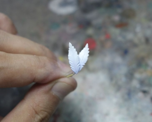 羽飾り塗装3