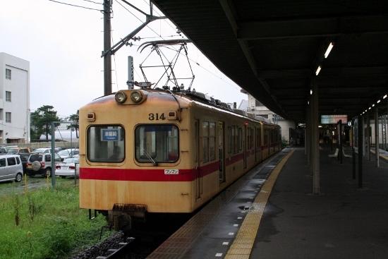 ④貝塚駅H18 ・300形