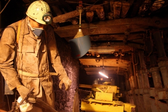 ⑭石炭博物館 (550x367)