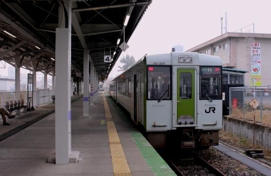 ②米沢駅ホーム (550x357)