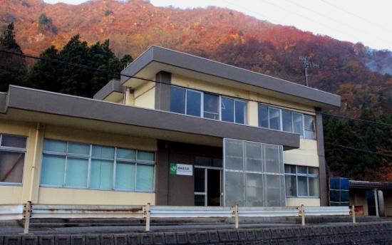 ⑮越後金丸駅 (550x344)