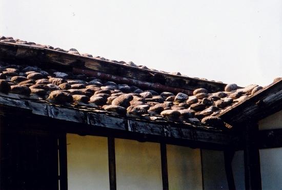 ⑯木羽葺き屋根
