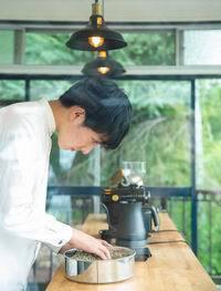 発達障がい少年が焙煎する珈琲(200x263)