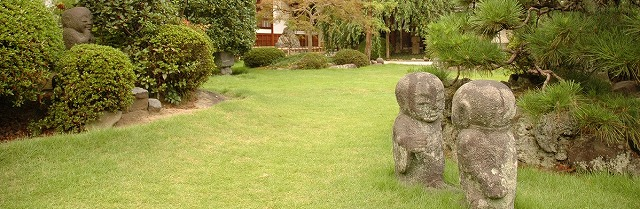 500宝泰寺庭のお地蔵様