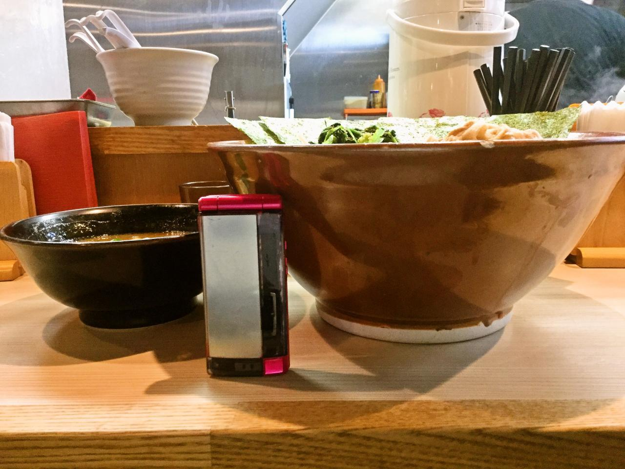 らー麺土俵 鶴嶺峰(濱の大横綱)