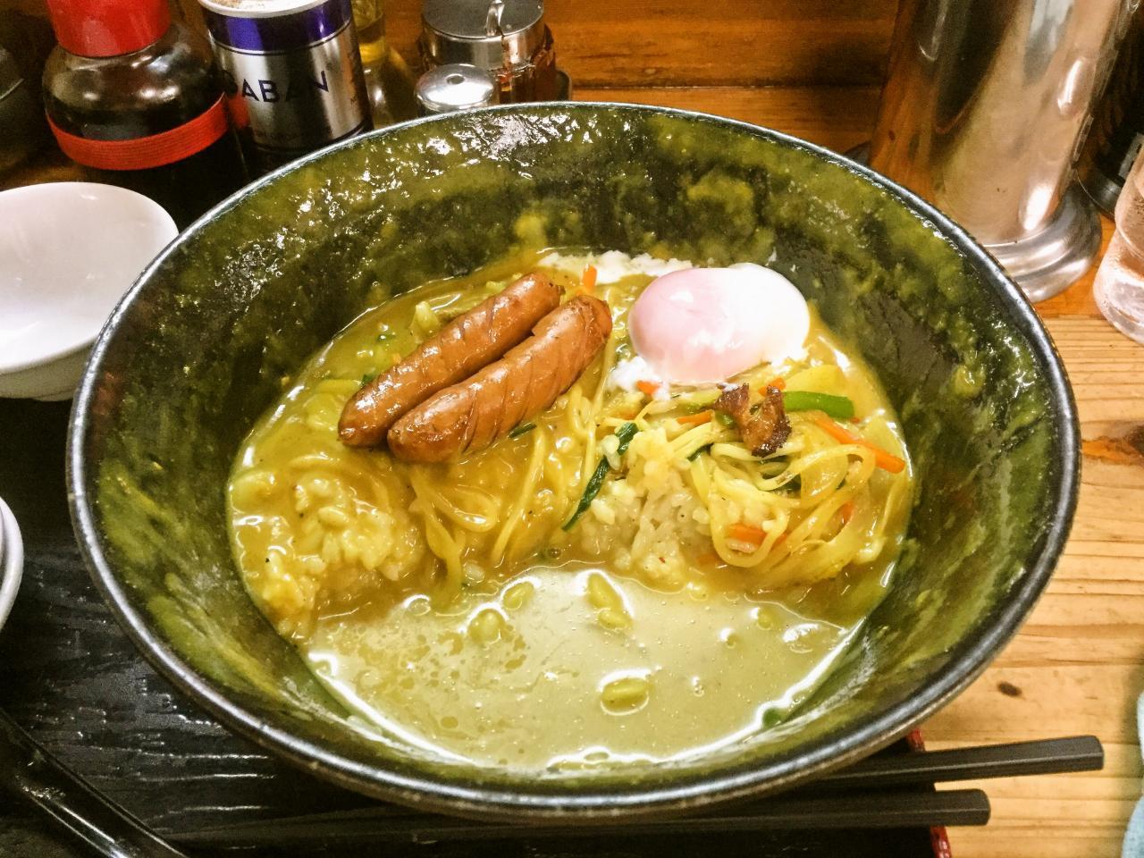 ラーメンミート(カレーラーメン丼)