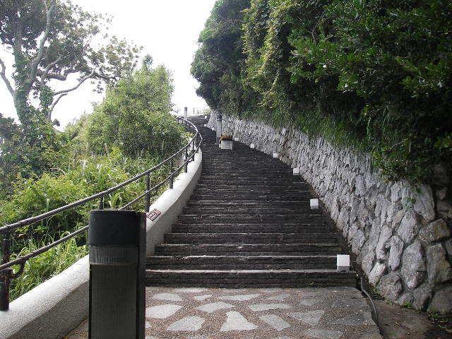 御前埼灯台への階段201707