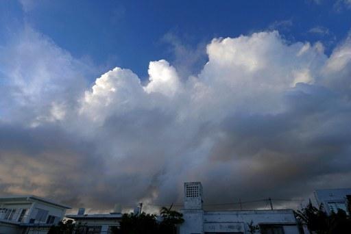 巨大雲9-22,18-08 P1140105