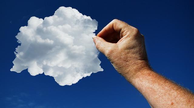 cloud-2530972_640.jpg