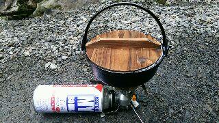 ソロキャンプ釜飯