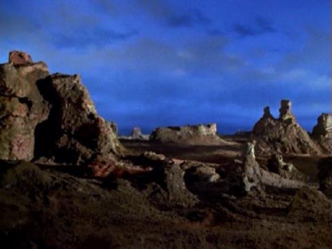 サングラスをかけると、グランドキャニオンの幻想的な風景が広がった