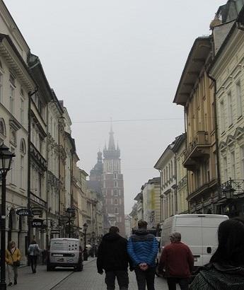 霧のクラクフ旧市街