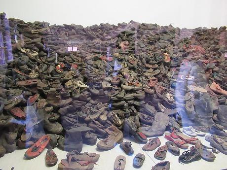 アウシュヴィッツ靴