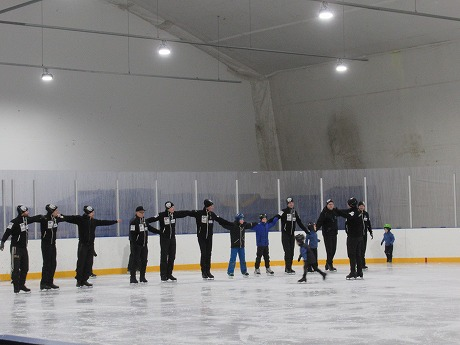 シンクロナイズドスケーティング練習風景1