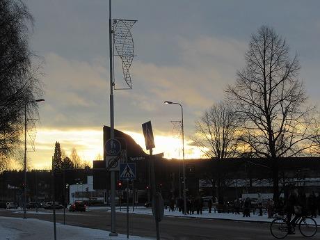 太陽と市庁舎