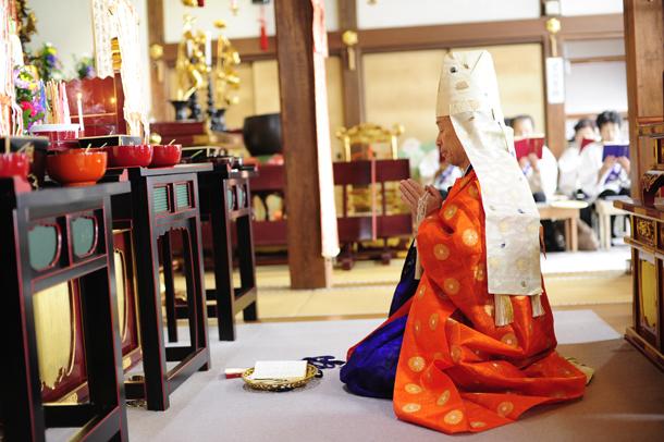 お寺 法事 和讃 お寺の行事 法衣