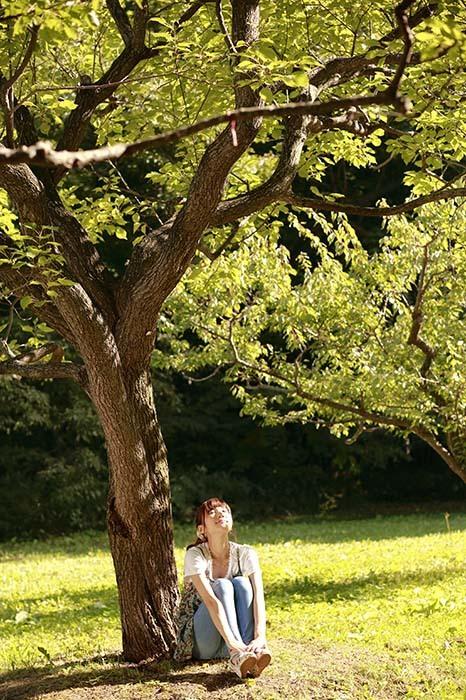 彩音:大きな木の下で4