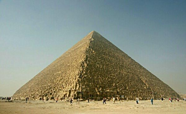 ギザのピラミッド(クフ王)